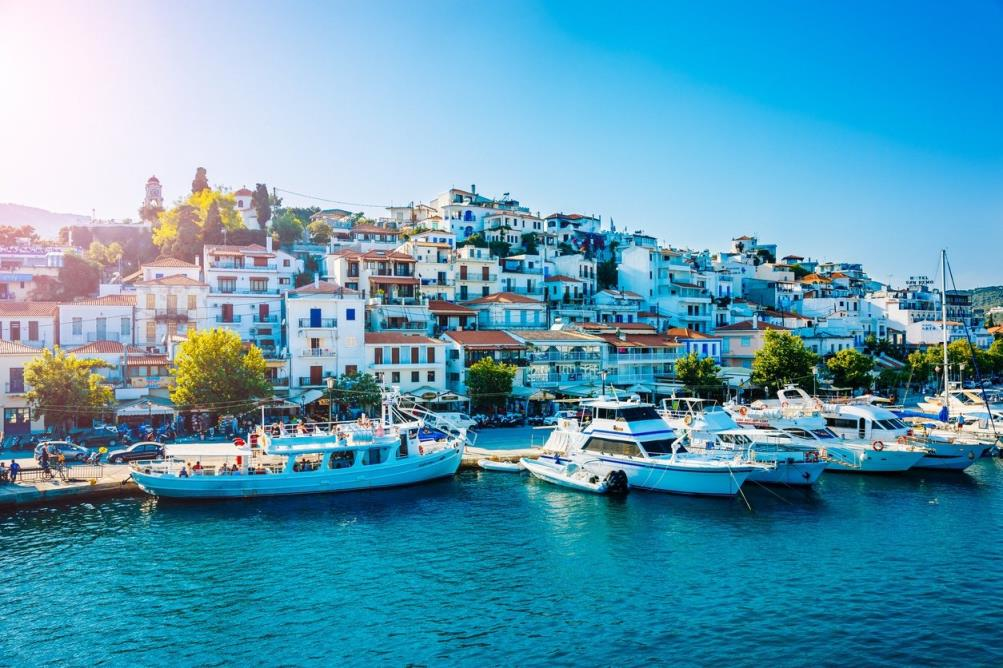 Top 14 FAQs a<em></em>bout Greek Citizenship and Residency by Investment